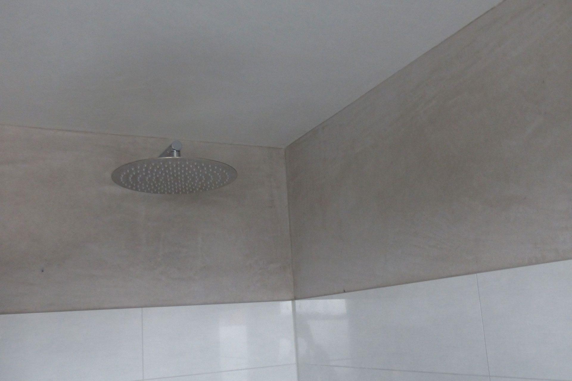KalkManufaktur Sumpfkalkputz in der Dusche