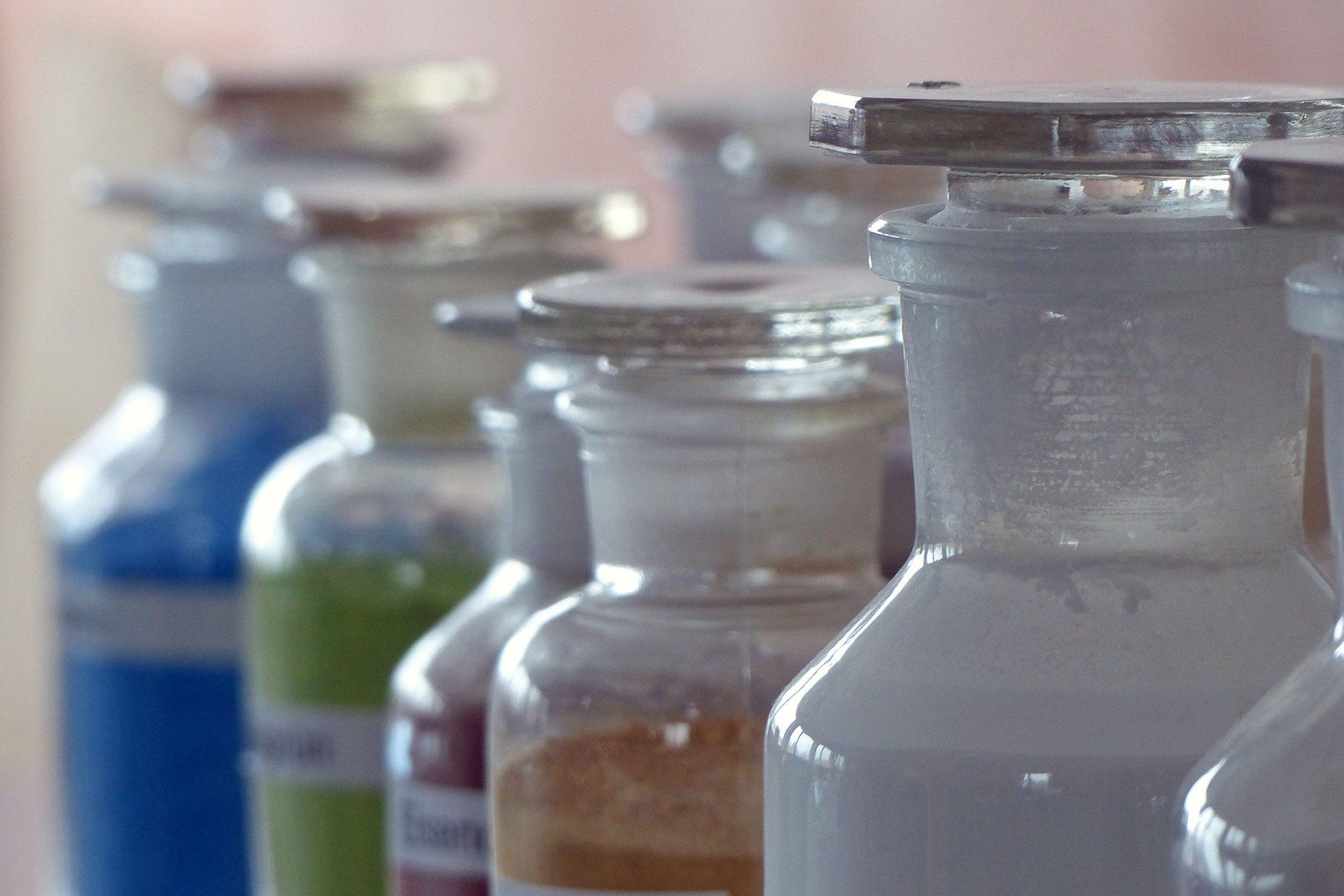 KalkManufaktur Gläser mit Pigmenten